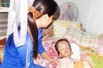 Phép màu nào cho bé 6 tuổi bị não úng thủy có hoàn cảnh đáng thương?