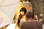 Elly Trần khoe ảnh hậu trường chụp hình nóng bỏng