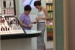 Phương Uyên lại bị bắt gặp 'thân mật' với 'bạn gái tin đồn' ở Thái Lan