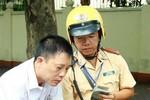 Hà Nội: Nhiều xe biển xanh bị CSGT xử phạt nặng lỗi vi phạm