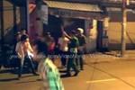 Cảnh sát nổ 2 phát súng trấn áp nhóm thanh niên gây rối