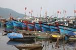 Siêu bão Utor gây nguy hiểm cho nhiều tàu thuyền trên biển