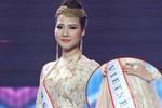 Trần Thị Quỳnh bị 'tuýt còi' vì đeo dải băng ghi sai tên Việt Nam