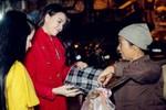 Hình ảnh ít người biết của Trà Ngọc Hằng trong đêm Giáng sinh ở Hà Nội
