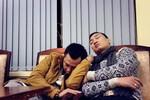 Thành Trung, Tự Long 'gà gật' trong ngày đầu tiên tập Táo quân 2014