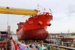 Tàu lai dắt phát nổ khi đang đưa tàu vào đà sửa chữa, bốn thuyền viên bỏng nặng