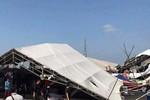 Nhiều gian hàng tại hội chợ Việt – Trung ở Quảng Ninh đổ sập