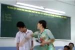 Cô giáo liên tiếp tát vào mặt học sinh