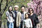 Tết gia đình Việt: Song thân GS Ngô Bảo Châu kể chuyện dạy con