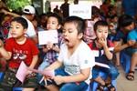 Con trẻ ngáp ngắn ngáp dài đi thi vào lớp 1