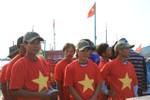 """Ngư dân mang áo """"cờ Tổ quốc"""" hùng dũng tiến ra vùng biển Hoàng Sa"""