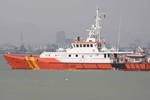 """Tàu SAR 412 bị tàu Hải quân Trung Quốc """"vây"""" giữa biển khi cứu ngư dân Việt"""