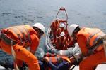 Cứu ngư dân bị hôn mê trên biển