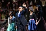 Gia đình Obama xuất hiện sau khi giành chiến thắng