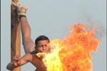 """Lính Ấn Độ biểu diễn tuyệt kỹ """"xiếc quân sự"""""""