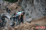 Động đất ở Trung Quốc 162 người chết, Thủ tướng Nhật cam kết viện trợ