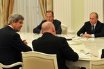 Hoàn Cầu: Putin để Ngoại trưởng Mỹ chờ không 3 tiếng đồng hồ