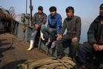 Ngư dân Trung Quốc bị Triều Tiên bắt giữ 13 ngày ai cũng bị đánh