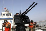 """""""Hạm đội tàu trắng"""" Trung Quốc và nguy cơ xung đột ở Biển Đông"""