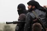 al-Qaeda đánh bật phiến quân Syria khỏi căn cứ Raqa để cướp vũ khí