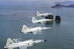 Chiến đấu cơ F-5 Hàn Quốc đâm đầu vào núi