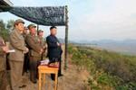 Ảnh: Kim Jong-un quan sát hỏa lực mạnh Triều Tiên đồng loạt khai hỏa