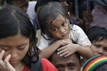 Dân đói Philippines nổ súng chặn xe chở thi thể nạn nhân bão Haiyan
