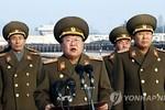 Vợ và cô Kim Jong-un vắng mặt, Choe Ryong-hae thay đổi chỗ ngồi
