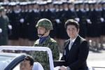 """Thời báo Hoàn Cầu: Shinzo Abe đã trở thành """"Tổng tư lệnh"""""""