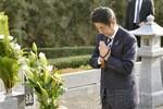 Thủ tướng Abe tảo mộ cha, lập chí xây dựng Nhật Bản trở nên huy hoàng
