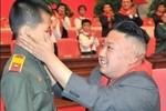 """Video: Bài hát """"Không có đồng chí Kim Jong-un, chúng tôi sẽ chết"""""""