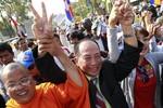 Campuchia: Cho Trung Quốc phát sóng truyền hình, cấm phe đối lập