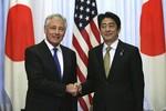 Hậu Crimea, Bộ trưởng Quốc phòng Mỹ sang trấn an Nhật Bản