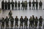 Binh sĩ Thái Lan tràn ngập Bangkok ngăn biểu tình chống đảo chính