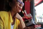 """Trung Quốc: Trào lưu ẩm thực quái dị thử cảm giác """"hút máu người"""""""