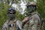 Phe ly khai Ukraine tuyên bố nhận xe bọc thép, quân tiếp viện từ Nga