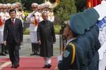 Việt-Ấn thắt chặt hợp tác quốc phòng lúc Tập Cận Bình đi New Delhi