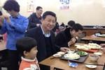 """Quan chức địa phương Trung Quốc đua nhau dàn dựng cảnh """"gần dân"""""""