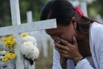 Cầu nguyện và nước mắt, Philippines tưởng nhớ nạn nhân siêu bão Haiyan