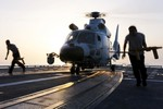 """Bắc Kinh báo động 10 sư, trung đoàn đối phó 1 chiếc trực thăng """"lạ"""""""