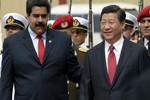 Tổng thống Venezuela đi Trung Quốc cầu viện tài chính