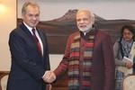 """Bộ trưởng Quốc phòng Nga sang Ấn Độ """"chăm sóc khách hàng"""" vũ khí"""