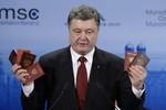 """Poroshenko tung """"bằng chứng"""" lính Nga ở miền Đông Ukraine"""