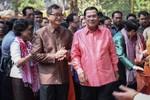 """Hun Sen và Sam Rainsy sẽ có """"tuần trăng mật"""" ở nước ngoài"""