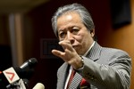 Ngoại trưởng Malaysia: ASEAN sẽ thảo luận kỹ chuyện xây dựng ở Biển Đông