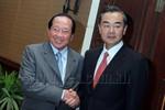 ASEAN đồng loạt yêu cầu Trung Quốc ngừng xây đảo, Campuchia im lặng