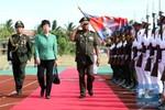 Trung Quốc viện trợ 2,5 triệu USD thiết bị quân y cho Campuchia
