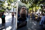 Maduro ra lệnh cho các quân nhân Venezuela treo ảnh Chavez trong nhà