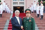 Nhật sẵn sàng chia sẻ tin tình báo Biển Đông cho Việt Nam, Philippines