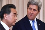 Trung Quốc kéo chiến đấu cơ phi pháp ra Hoàng Sa trợ uy Vương Nghị